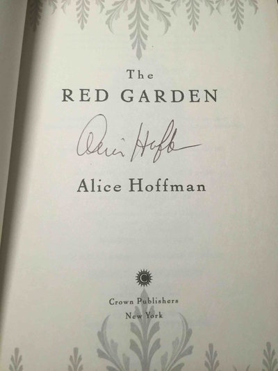 THE RED GARDEN. by Hoffman, Alice.