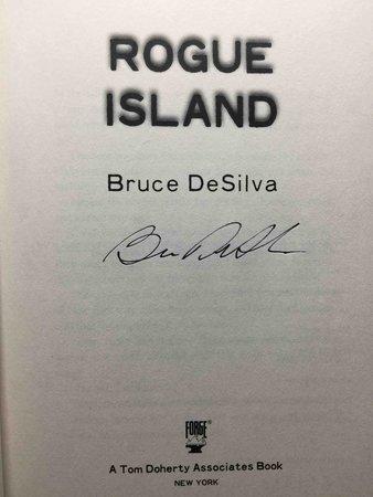 ROGUE ISLAND. by DeSilva, Bruce.