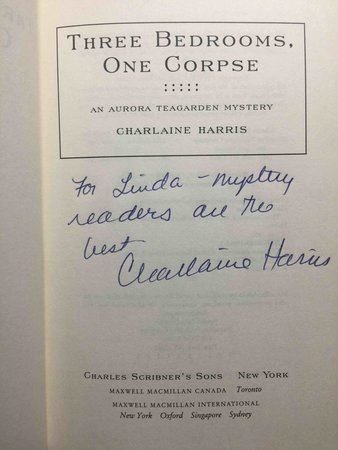 THREE BEDROOMS, ONE CORPSE. by Harris, Charlaine.