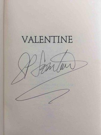 VALENTINE. by Somtow, S.P. (Pseudonym of Somtow Sucharitkul)