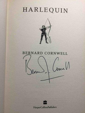 HARLEQUIN. by Cornwell, Bernard.