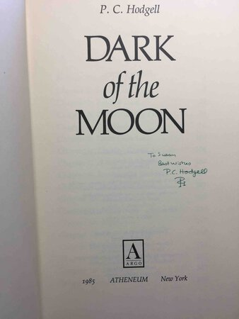 THE DARK OF THE MOON. by Hodgell, P. C.