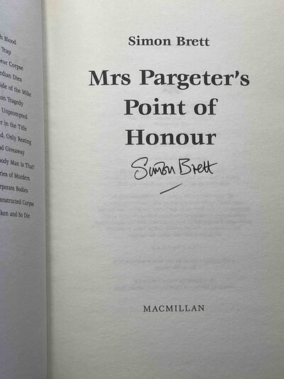 MRS PARGETER'S POINT OF HONOUR. by Brett, Simon.