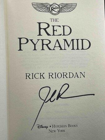 THE RED PYRAMID. by Riordan, Rick